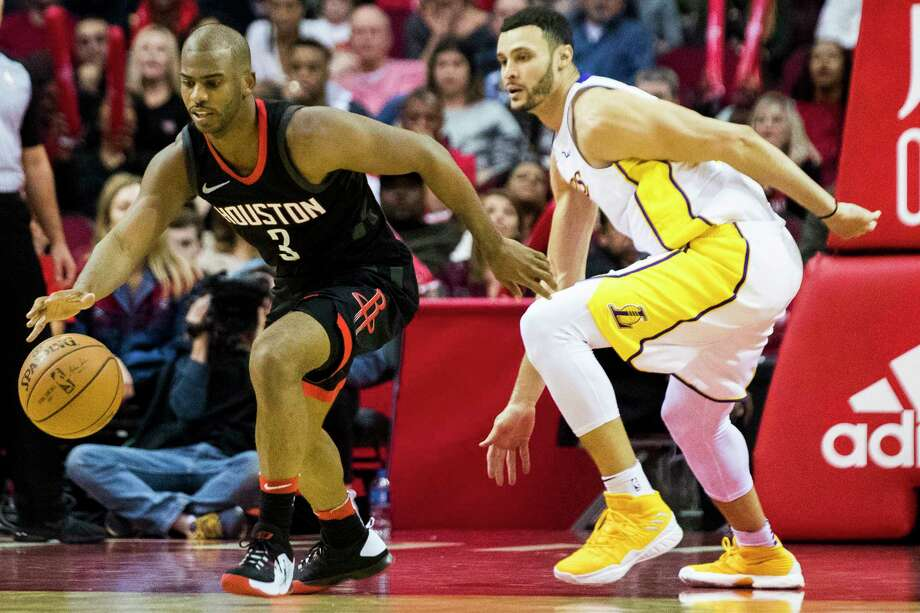 Chris Paul (3) didn't drop the ball on New Year's Eve, hounding Larry Nance Jr. and the Lakers to the tune of 28 points, 10 assists and six rebounds. Photo: Marie D. De Jesus, Houston Chronicle / © 2017 Houston Chronicle