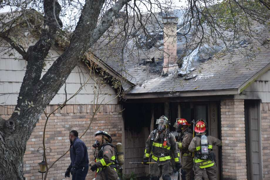 A fireplace blaze caused $100,000 in damage to a Northeast Side home on Jan. 1, 2018. Photo: Caleb Downs / San Antonio Express-News