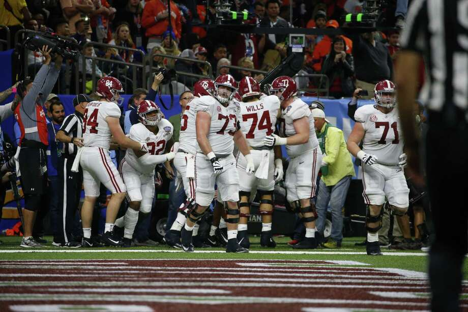in the second half of the Sugar Bowl semi-final playoff game for the NCAA college football national championship, in New Orleans, Monday, Jan. 1, 2018. Photo: Butch Dill, AP / FR111446 AP