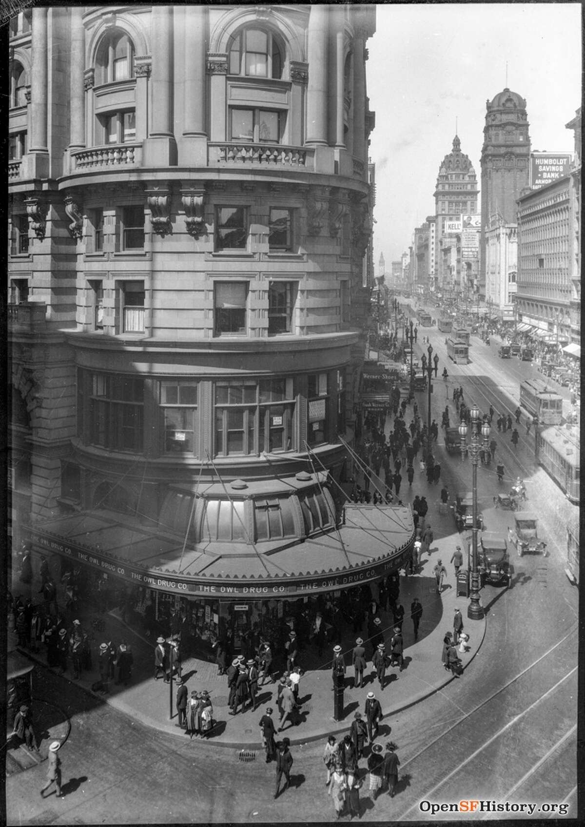 The Flood Building at Market and Powell in 1918. Photo courtesy ofOpenSFHistory.