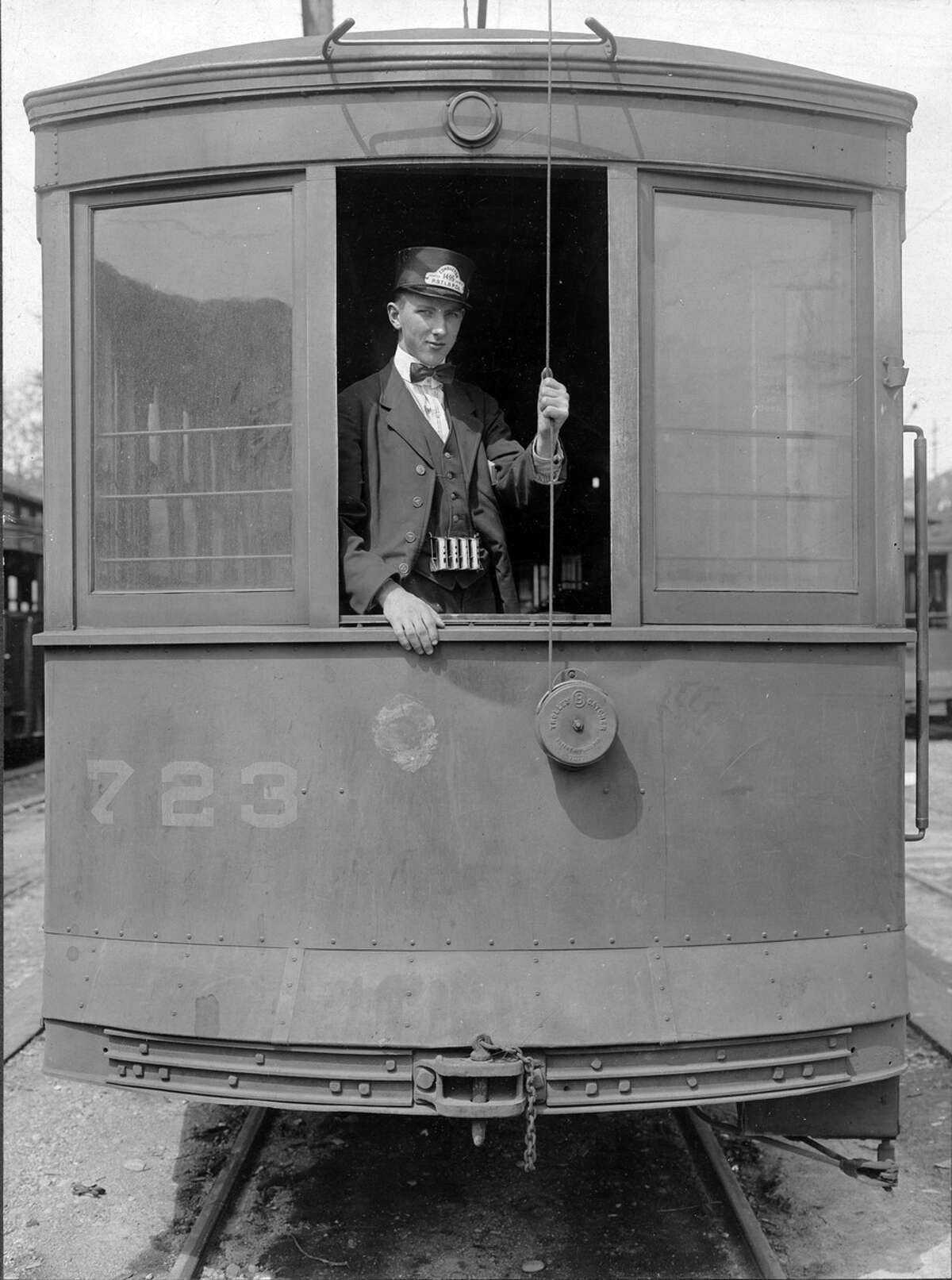 Arthur H. Vagts, conductor, on Wallingford streetcar, 1918. Courtesy of the Seattle Municipal Archives Item 78274.
