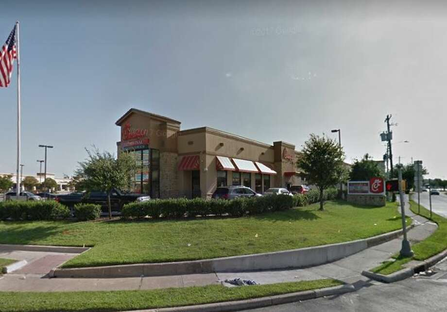 Chick Fil A4410 North Fwy Houston, TX 77022Demerits: 17Inspection Highlights:Observed white-brownish biofilm in the chute of ice-maker. Clean/ maintain ice making machine to prevent contamination of the ice. Condemned approximately 1,000 pounds of ice. Photo: Google Maps