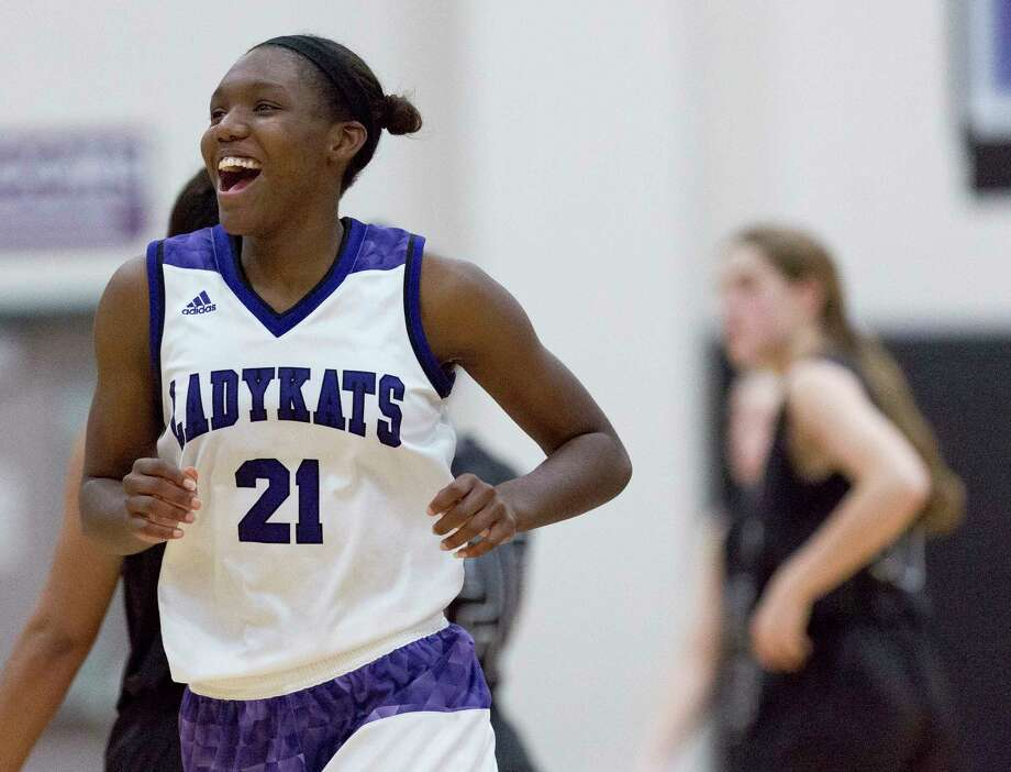 Willis' De'Janae Gilmore (21) reacts after the Ladykats hung on for a 38-36 win over College Station during a non-district high school girls basketball game at Willis High School, Tuesday, Jan. 2, 2017, in Willis. Photo: Jason Fochtman, Staff Photographer / © 2017 Houston Chronicle