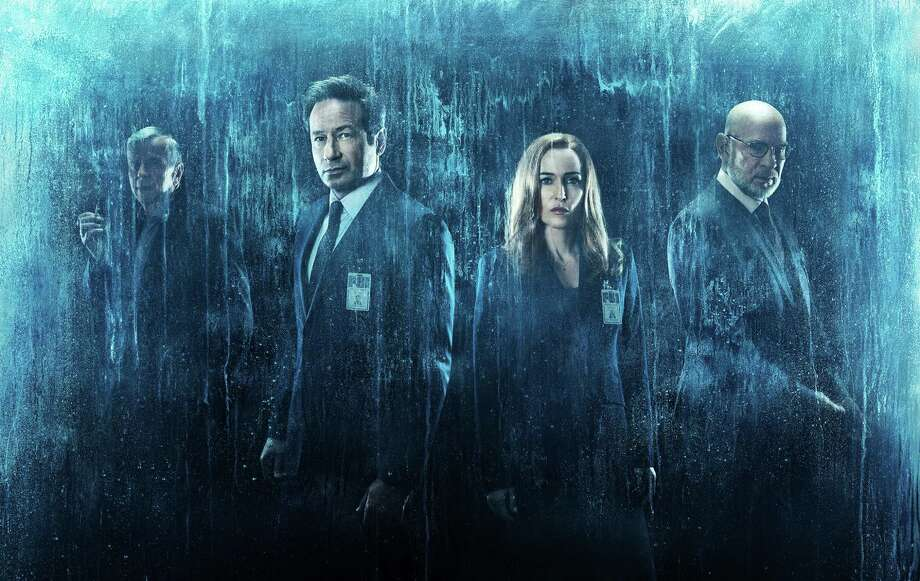 THE X-FILES:  L-R:  Guest star William B. Davis, David Duchovny, Gillian Anderson and Mitch Pileggi in THE X-FILES premiering Wednesday, Jan. 3 (8:00-9:00 PM ET/PT) on FOX. ©2017 Fox Broadcasting Co. Cr: Frank Ockenfels/FOX / © 2017 Fox Broadcasting Co. Credit: Frank Ockenfels/FOX.