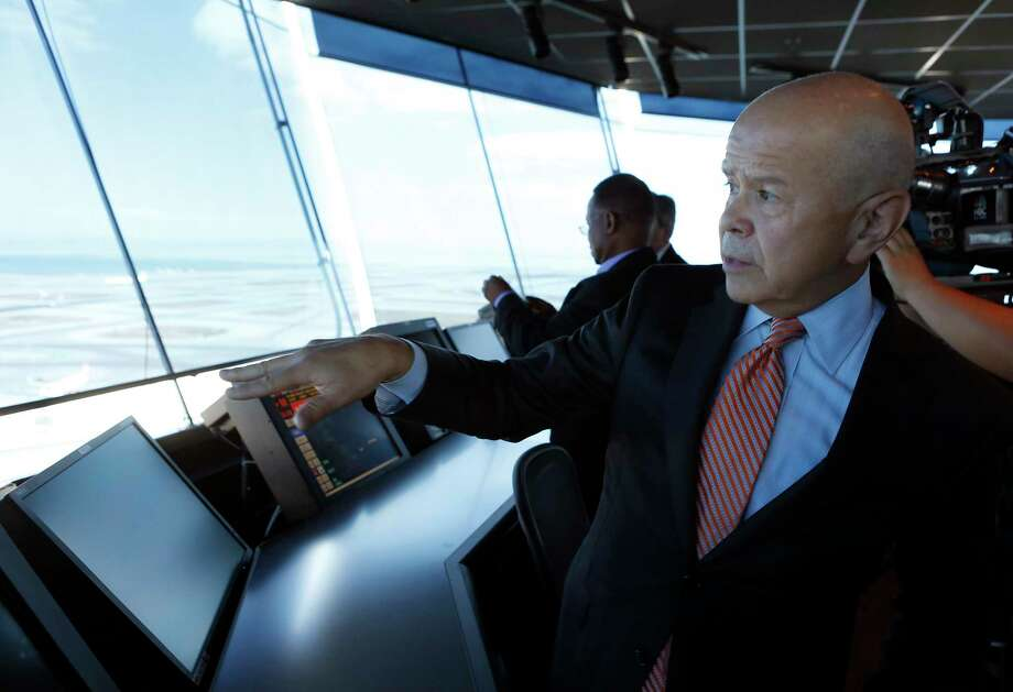FAA Administrator Michael Huerta tours San Francisco International Airport's air traffic control tower after a dedication ceremony in 2016. Huerta's five-year term ends Sunday. Photo: Paul Chinn, Staff / ONLINE_YES