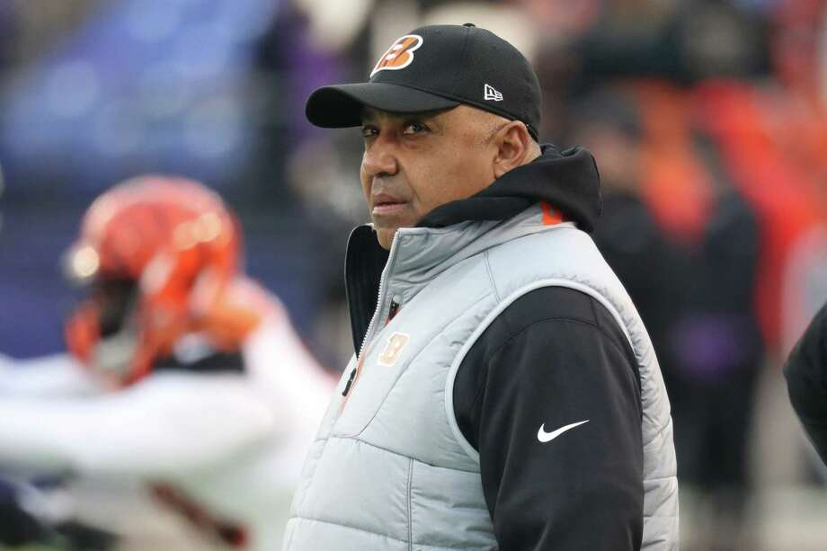 BALTIMORE, MD - DECEMBER 31: Head Coach Marvin Lewis of the Cincinnati Bengals looks on from the sidelines prior to the game against the Baltimore Ravens at M&T Bank Stadium on December 31, 2017 in Baltimore, Maryland. (Photo by Rob Carr/Getty Images) Photo: Rob Carr / 2017 Getty Images