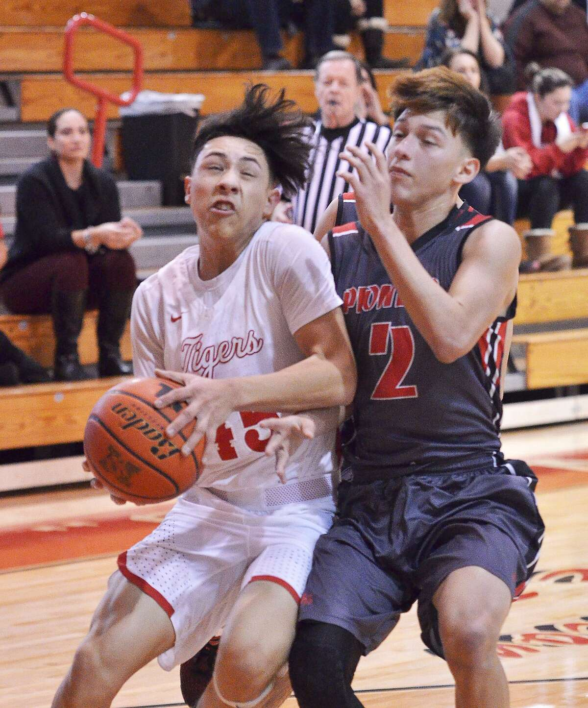 Sophomore Nelson Vasquez paced Martin with 26 points and seven rebounds in a 70-52 win over Sharyland on Thursday.