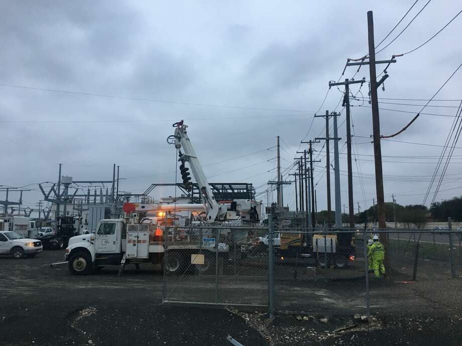 In this file photo, AEP workers are shown at Del Mar Boulevard substation. Photo: Julia Wallace/Laredo Morning Times