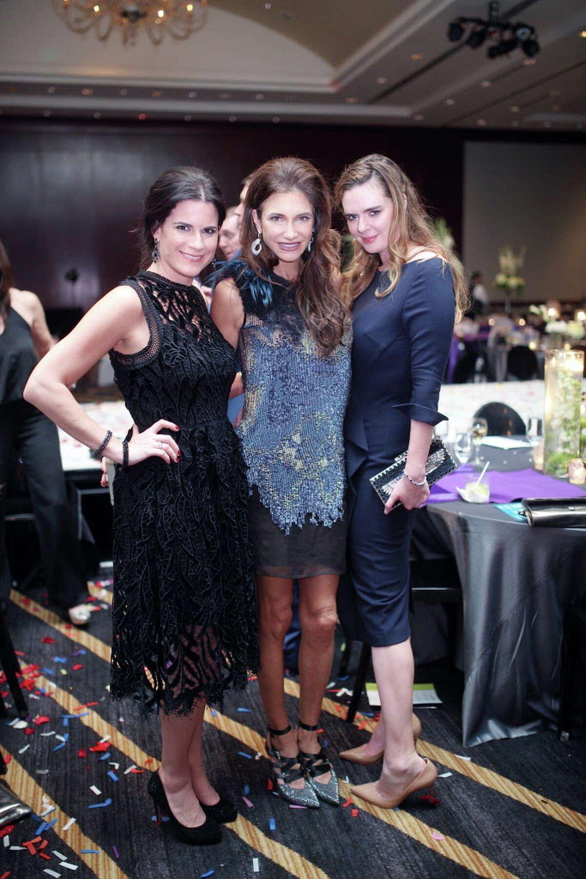 Katarina Tehlirian, Melissa Mithoff, and Eloise Frischkorn at Una Notte in Italia 2017