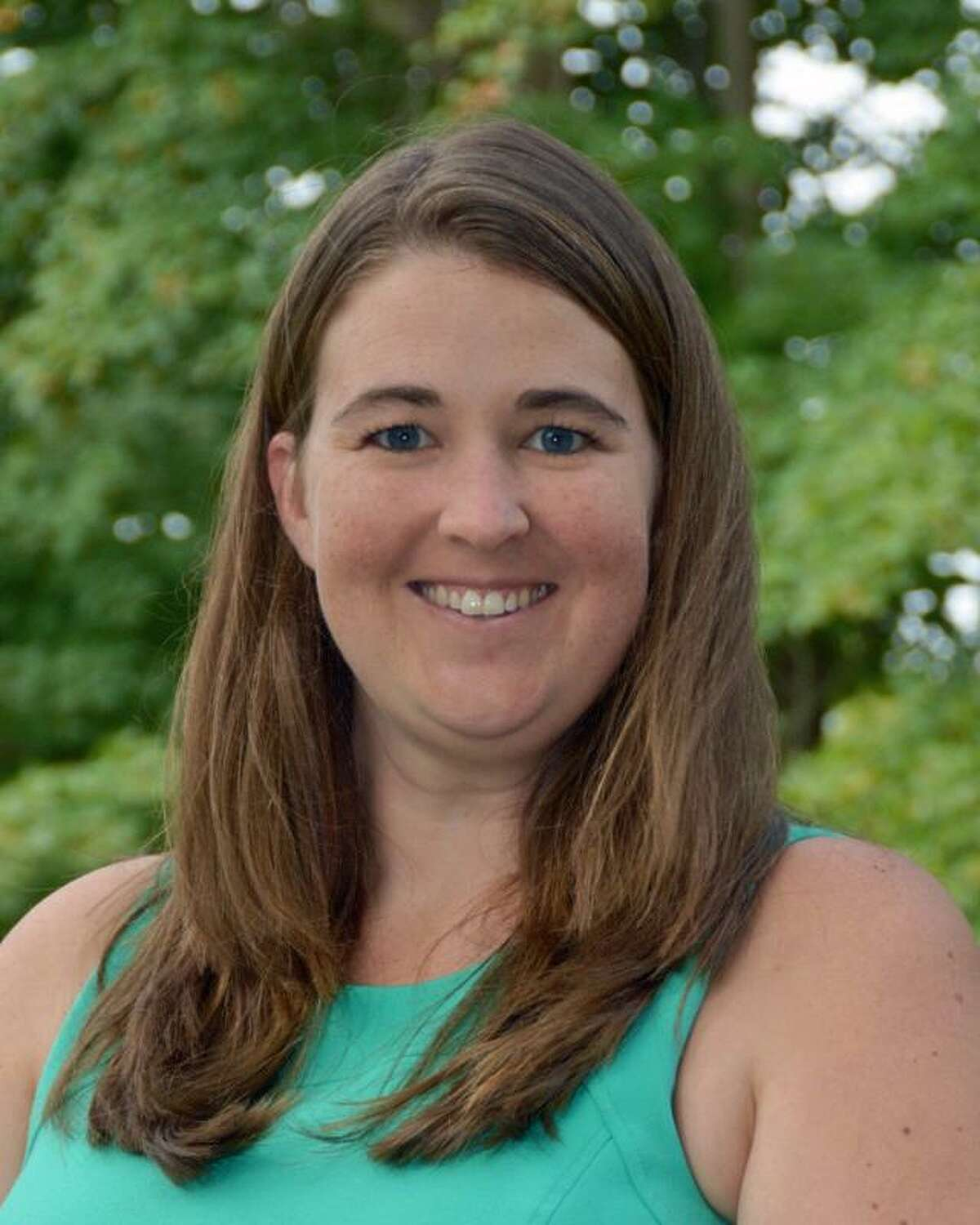 Stanwich School is mourning the loss of music and drama teacher, Kerry Gotschall, 33, who died unexpectedly in her sleep in late December.A memorial service will be held for Gotschall on Jan. 13.