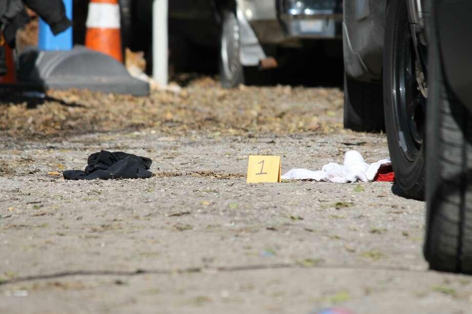 San Antonio police responded to a cutting call in the 100 block of Alta Sita street. Photo: Fares Sabawi/San Antonio Express-News