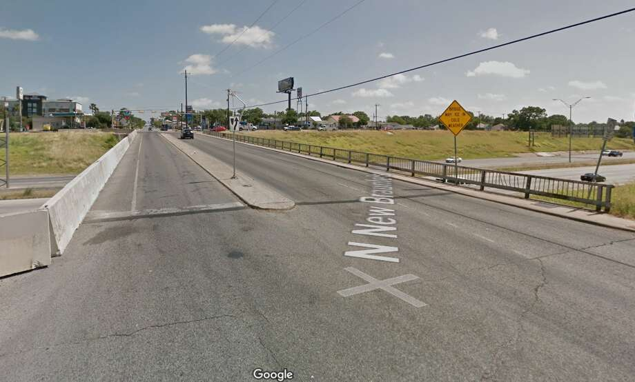 I-35 at New Braunfels Avenue - Postponed until Feb. 2TxDOT says the project planned at I-35 and New Braunfels Avenue will be postponed until next week after there was a delay in securing support beams. Photo: Google Maps