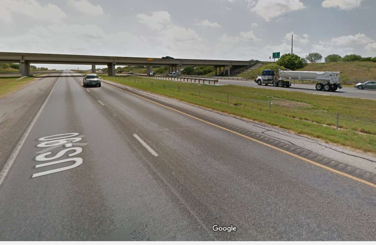 Highway 90 and Loop 1604 9 p.m. until 5 a.m. nightly Wednesday, January 3 until Sunday, January 14.  Main lanes, both directions, at Loop 1604. All lanes will close while crews set bridge support beams overhead. Traffic will exit U.S. 90, pass through the intersection and re-enter the highway.