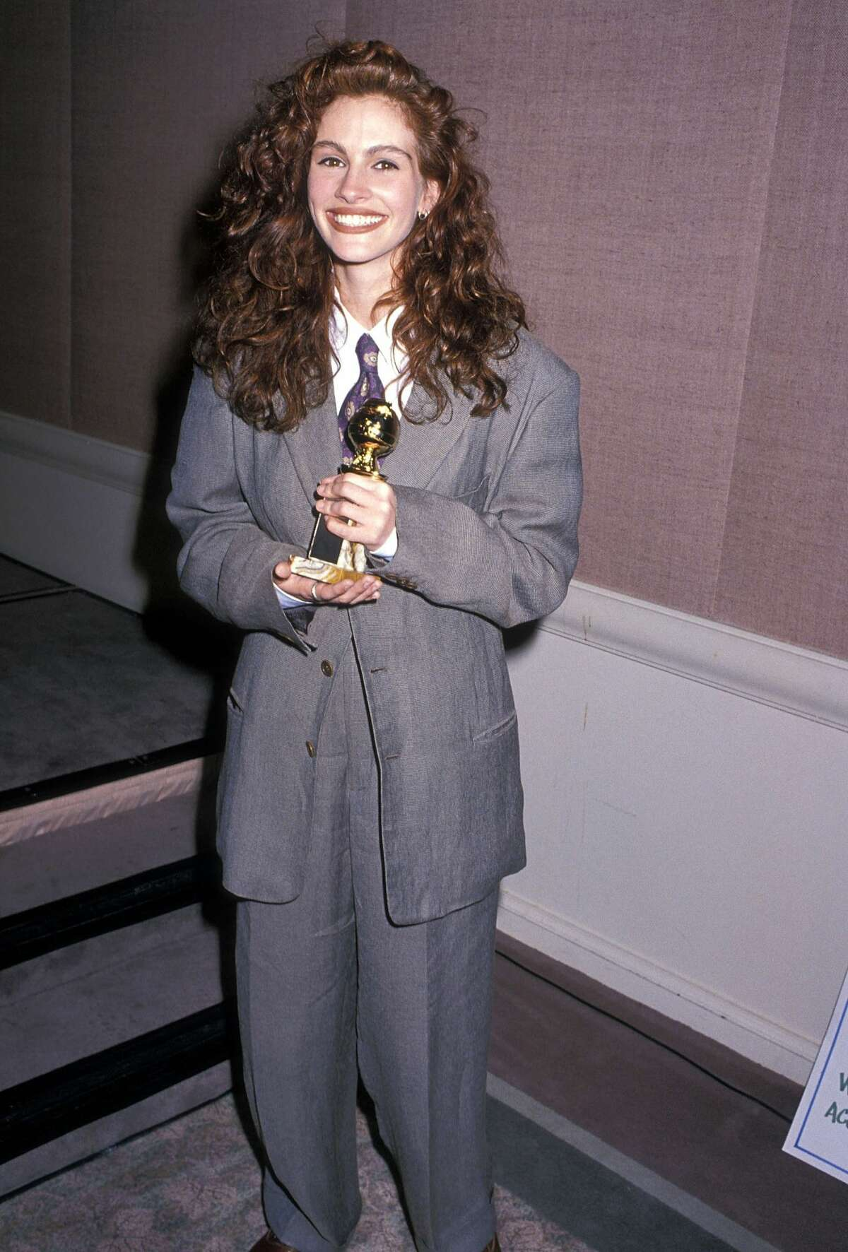Yes, Julia Roberts once wore a men's suit to win a Globe.