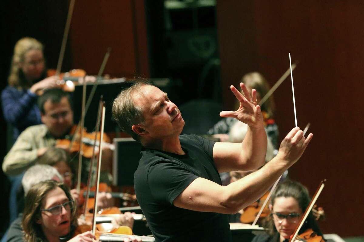 Sebastian Lang-Lessing, music director emeritus for the San Antonio Symphony will return to conduct two concerts next season.