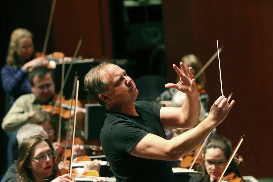Sebastian Lang-Lessing, music director emeritus for the San Antonio Symphony will return to conduct two concerts next season. Photo: John Davenport /San Antonio Express-News / ©John Davenport/San Antonio Express-News