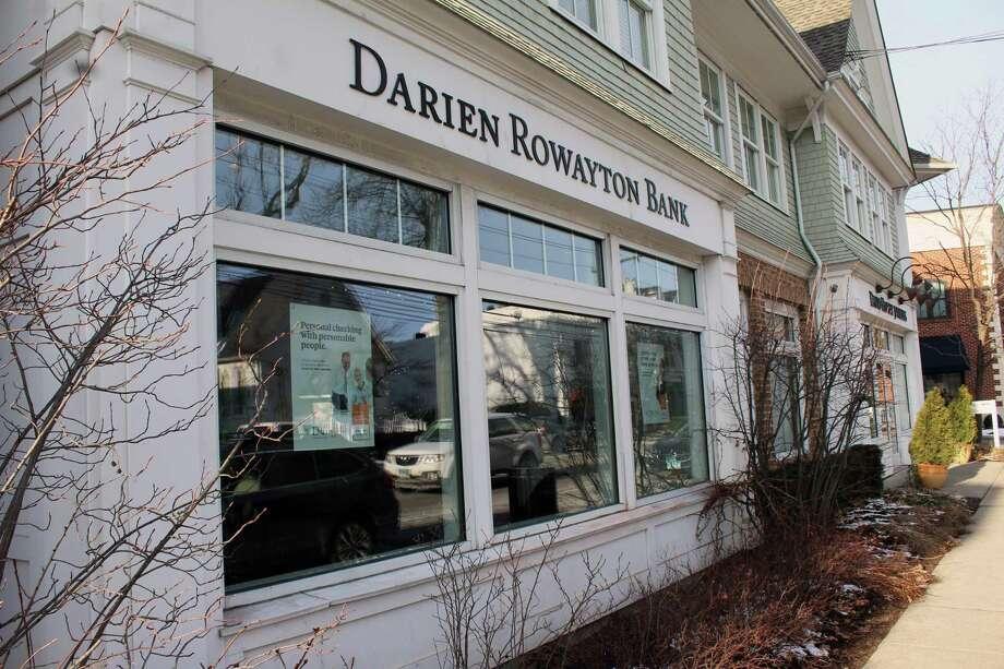 The headquarters branch of Darien Rowayton Bank at 1001 Post Rd., Darien, Conn., on Jan. 2, 2018. Photo: Justin Papp / Hearst Connecticut Media / Darien News