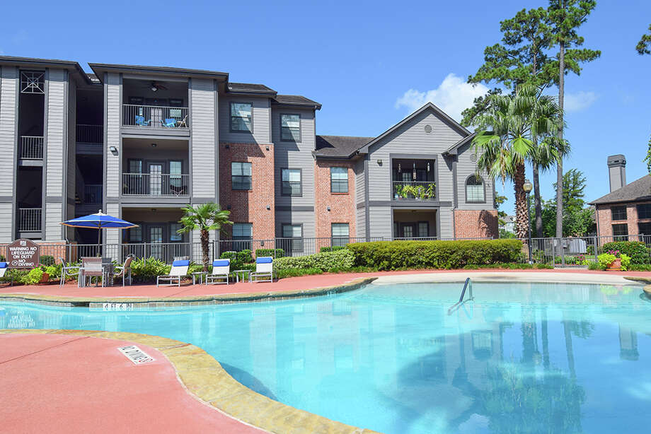 Hayden Properties has purchased the 216-unit Stoneleigh on Spring Cypress apartments. Photo: HFF