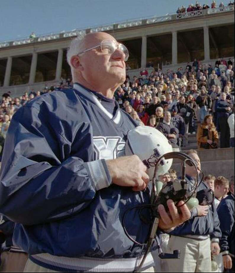 Yale's legendary Hall of Fame football coach Carm Cozza has died. He was 87. Photo: File Photo