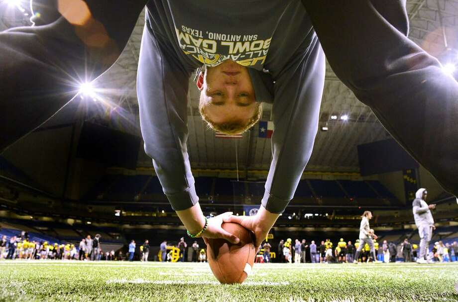 Karsten Battles, a long snapper from Johnson High School, is on the West roster for the U.S. Army All-American Bowl. Photo: Billy Calzada /Express-News
