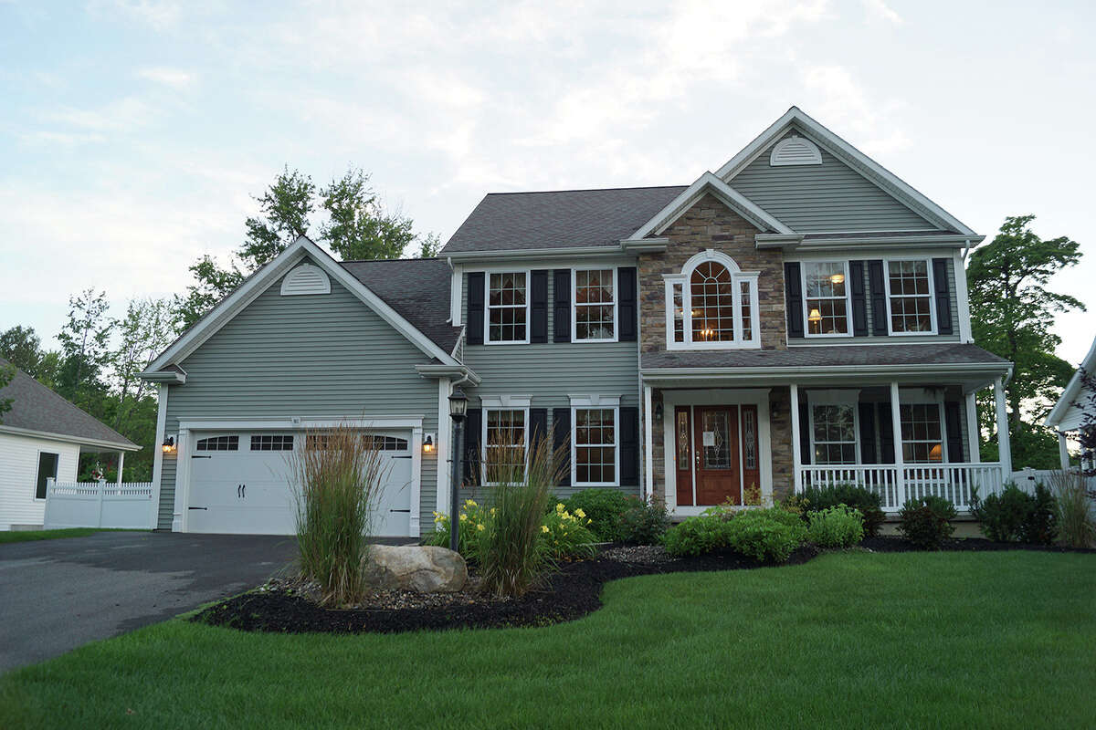 House of the Week: 102 Steeple Way, Rotterdam | Realtor: Lynn Johnson, a salesperson with Sterling Homes | Discuss: Talk about this house