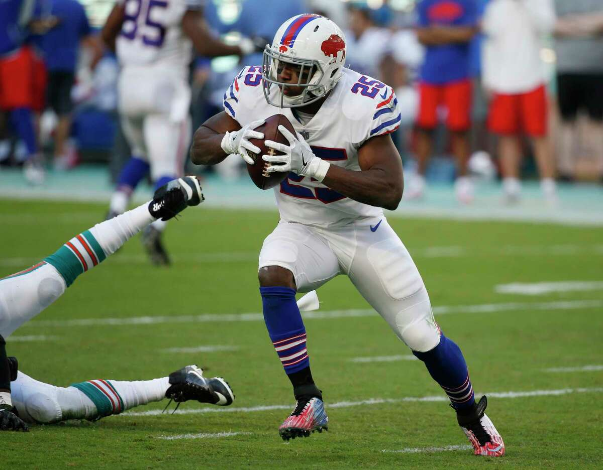 Buffalo Bills running back LeSean McCoy (25) runs the ball, during the first half of an NFL football game against the Miami Dolphins, Sunday, Dec. 31, 2017, in Miami Gardens, Fla. (AP Photo/Wilfredo Lee)