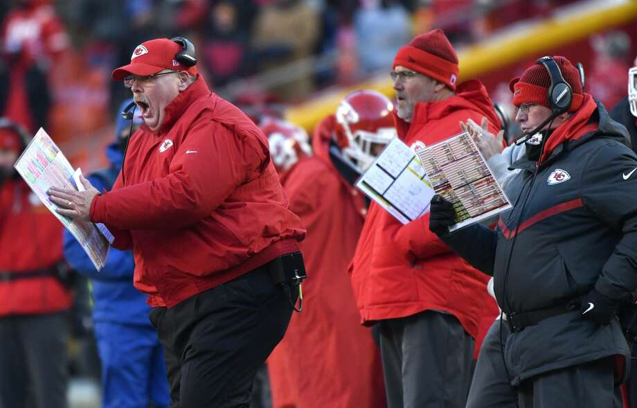 Tennessee plus-8 ½ at Kansas CityChiefs 30-20 Photo: Ed Zurga/Associated Press