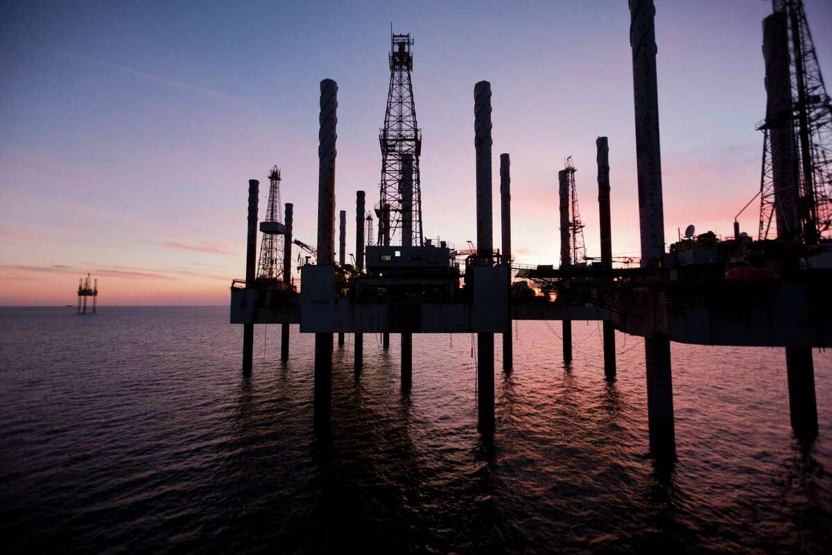 FILE Â?- Idle oil rigs off the coast of Cameron, La., Dec. 7, 2010. The Trump administration will allow new offshore oil and gas drilling in nearly all United States waters, it announced Jan. 4. (Michael Stravato/The New York Times)