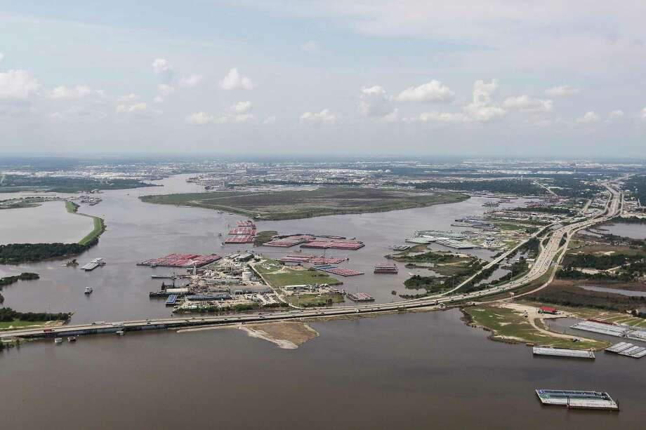 Contaminants from the flooded  San Jacinto River Waste Pits Superfund Site site pose a potential health risk. Photo: Michael Ciaglo, Staff / Michael Ciaglo