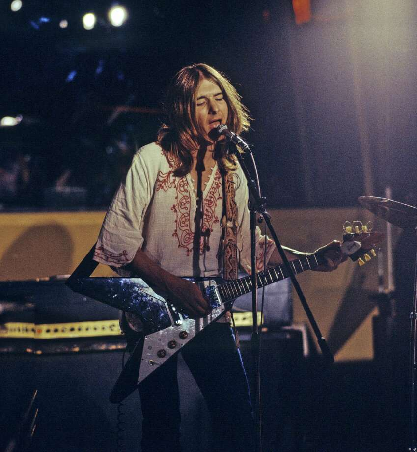 Mick Ralphs of Mott The Hoople performs at Island Records' Basing Street Studios in London on Aug. 10, 1971. He plays a Gibson Flying V guitar. Photo: Brian Cooke/Redferns