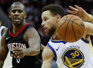 Houston Rockets guard Chris Paul (3) defends against Golden State Warriors guard Stephen Curry (30) during the fourth quarter of an NBA basketball game at Toyota Center on Thursday, Jan. 4, 2018, in Houston. ( Brett Coomer / Houston Chronicle )
