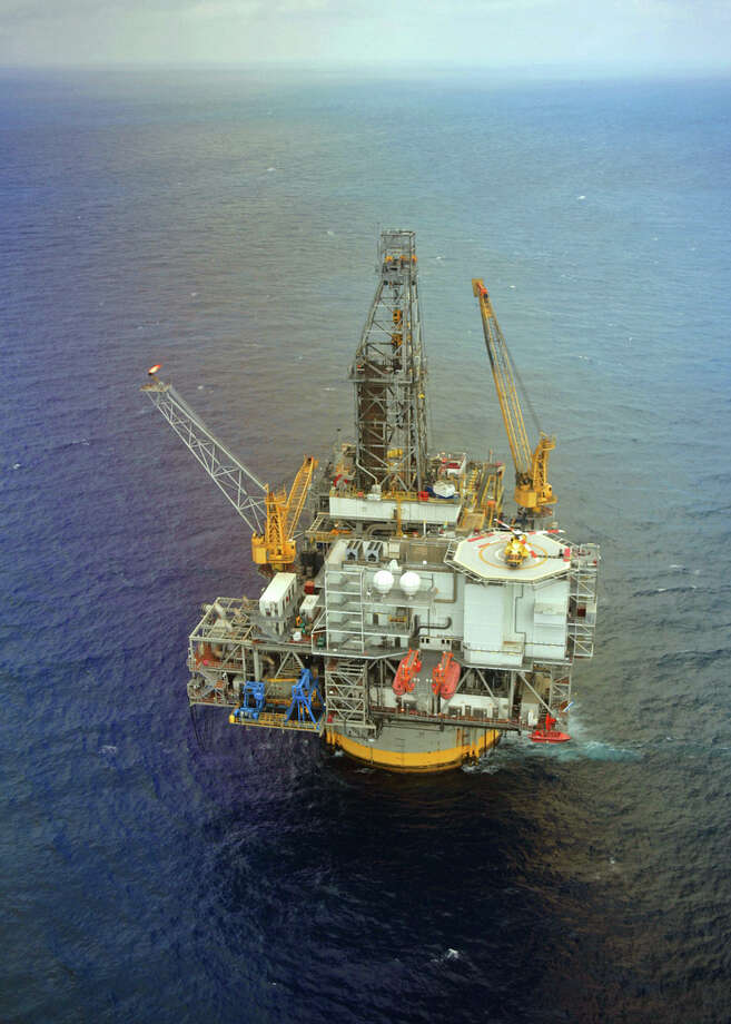 Mad Dog platform aerial in the Gulf of Mexico.  Located in 4,500 feet of water some 190 miles south of New Orleans, Mad Dog has the capacity to produce up to 80,000 barrels of oil and 40 million cubic feet of natural gas per day. Photo: Marc Morrison / ©2008 BP America Inc.