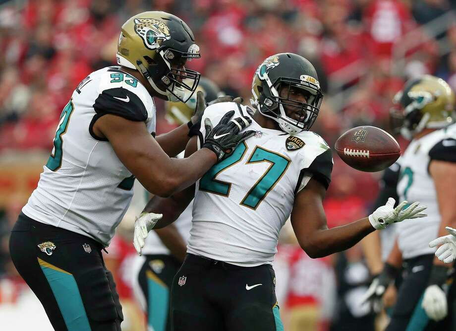 Leonard Fournette gives the Jaguars a strong running game. But do they need a new quarterback to get over the hump? Photo: Tony Avelar, Associated Press / FR155217 AP
