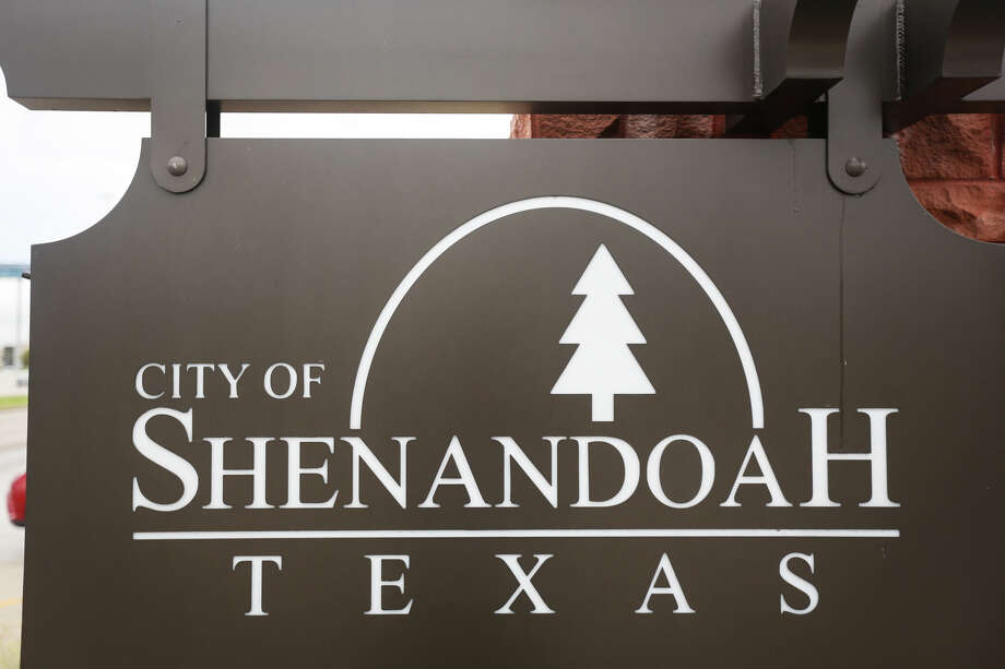 A sign for the City of Shenandoah is pictured on Monday, Aug. 7, 2017. Photo: Michael Minasi, Staff Photographer / © 2017 Houston Chronicle