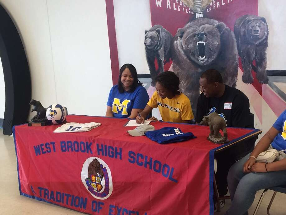 West Brook's Amari Franklin signs her Letter of Intent to play volleyball at McNeese State.