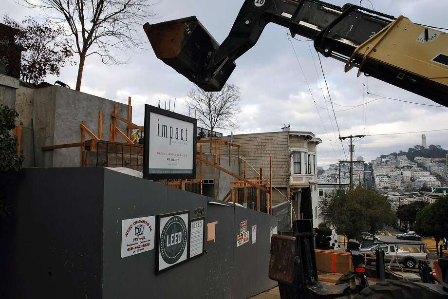 Construction continues at 940 Lombard St. on Jan. 4, 2018 in San Francisco, Calif. Photo: Mason Trinca / Special To The Chronicle
