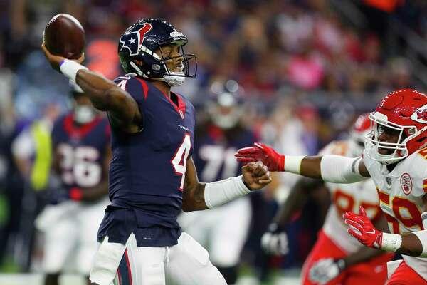 Houston Texans quarterback Deshaun Watson (4) throws during the second quarter of an NFL football game at NRG Stadium on Sunday, Oct. 8, 2017, in Houston. ( Brett Coomer / Houston Chronicle )