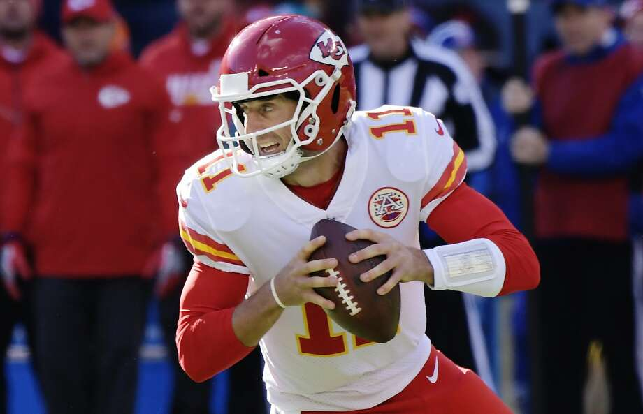 In this Nov. 19, 2017, file photo, Kansas City Chiefs quarterback Alex Smith (11) looks to pass during the first half of an NFL football game against the New York Giants, in East Rutherford, N.J. Photo: Bill Kostroun, Associated Press