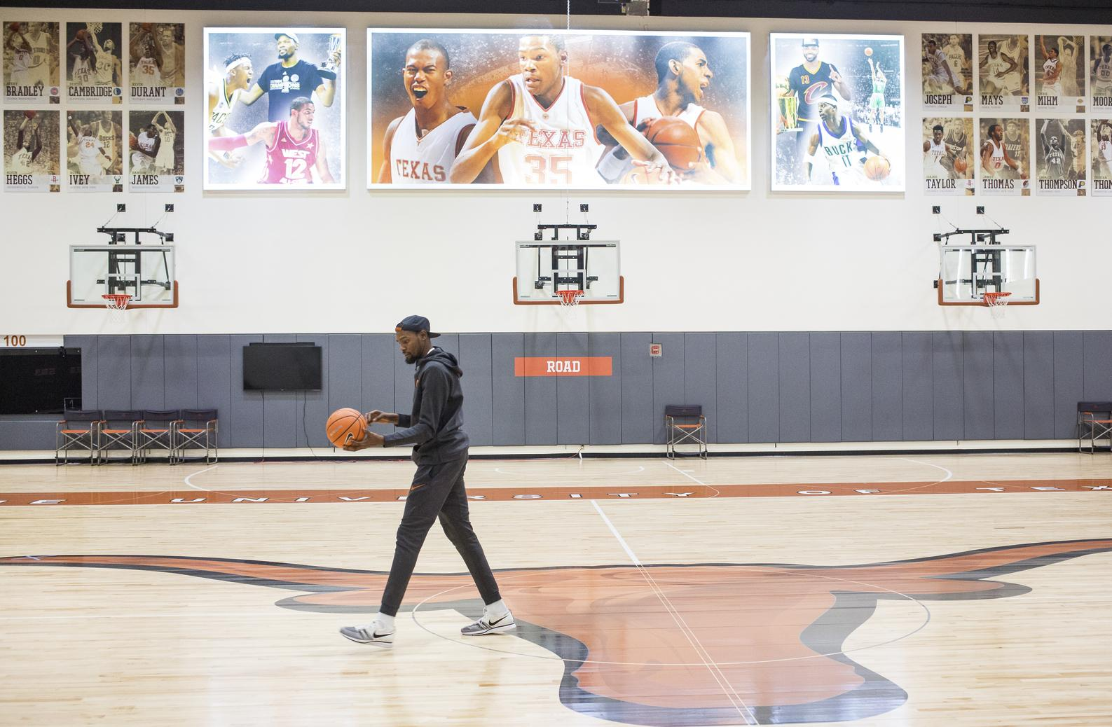 32695fa27 Warriors  Kevin Durant makes special homecoming at University of Texas -  SFGate