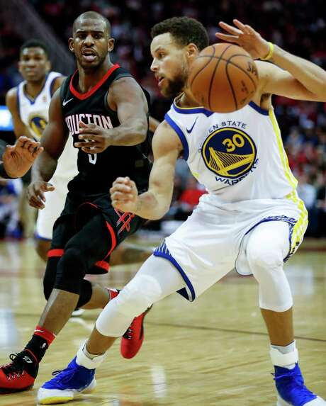 Houston Rockets guard Chris Paul (3) defends against Golden State Warriors guard Stephen Curry (30) during the fourth quarter of an NBA basketball game at Toyota Center on Thursday, Jan. 4, 2018, in Houston. ( Brett Coomer / Houston Chronicle ) Photo: Brett Coomer, Staff / © 2018 Houston Chronicle