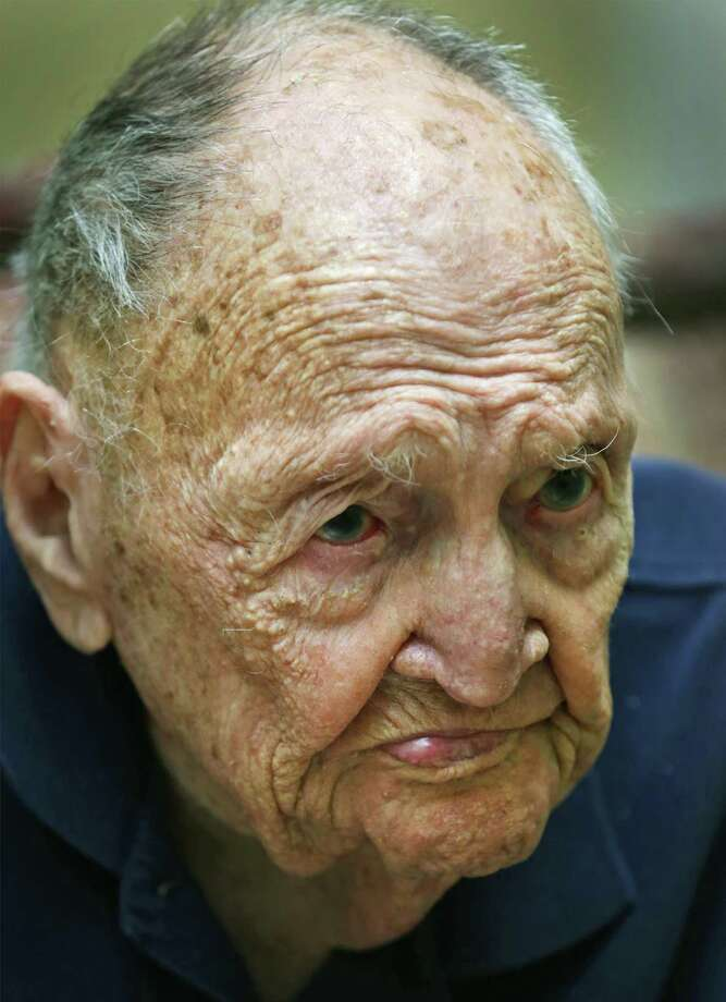 Eugene Ruf gave an interview on his 108th birthday. Photo: Bob Owen / San Antonio Express-News / ©2017 San Antonio Express-News