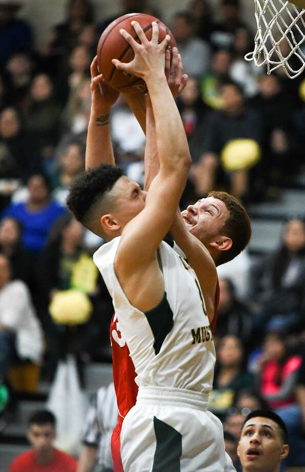Nixon (27-5, 13-0 District 31-5A) and Martin (17-13, 11-2) are the only teams that have clinched playoff berths in their league. Photo: Danny Zaragoza / Laredo Morning Times File