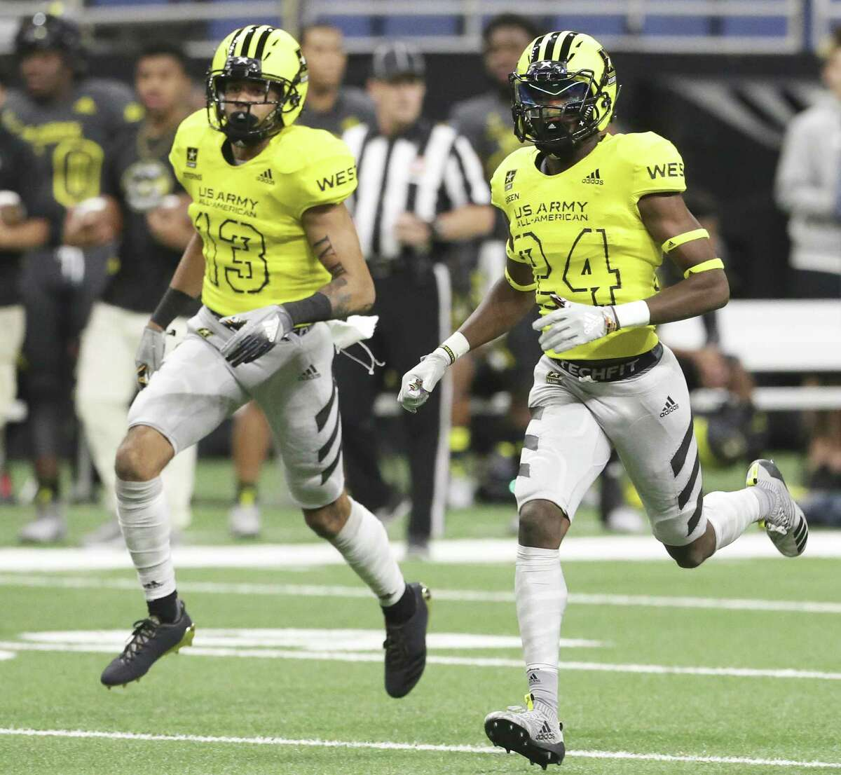 Caden Sterns (13) and Jalen Green cover on a kickoff at the U.S. Army All-American Bowl at the Alamodome on January 6, 2018