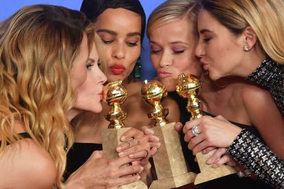 (L-R) Actresses Laura Dern, Nicole Kidman, Zoe Kravitz, Reese Witherspoon and Shailene Woodley pose with the Best Television Limited Series or Motion Picture Made for Television throphy for 'Big Little Lies'during the 75th Golden Globe Awards on January 7, 2018, in Beverly Hills, California. / AFP PHOTO / Frederic J. BROWNFREDERIC J. BROWN/AFP/Getty Images