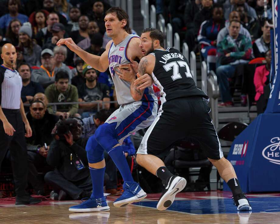 Joffrey Lauvergne battles ex-Spur Boban Marjanovic in Detroit. Photo: Dave Reginek / Getty Images / 2017 Getty Images