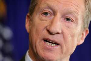 WASHINGTON, DC - JANUARY 08:  Hedge fund billionaire, Democratic mega-donor and environmentalist Tom Steyer holds a news conference regarding his political future and plans January 8, 2018 in Washington, DC. A leader in the effort to impeach President Donald Trump, Steyer announced that he will target prominent incumbent Republicans, including Speaker of the House Paul Ryan (R-WI), in $30 million midterms push.  (Photo by Chip Somodevilla/Getty Images)