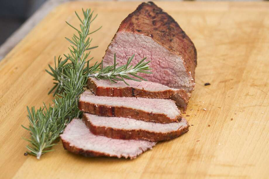 A finished eye of round roast. Photo: Alma E. Hernandez /For The Express-News