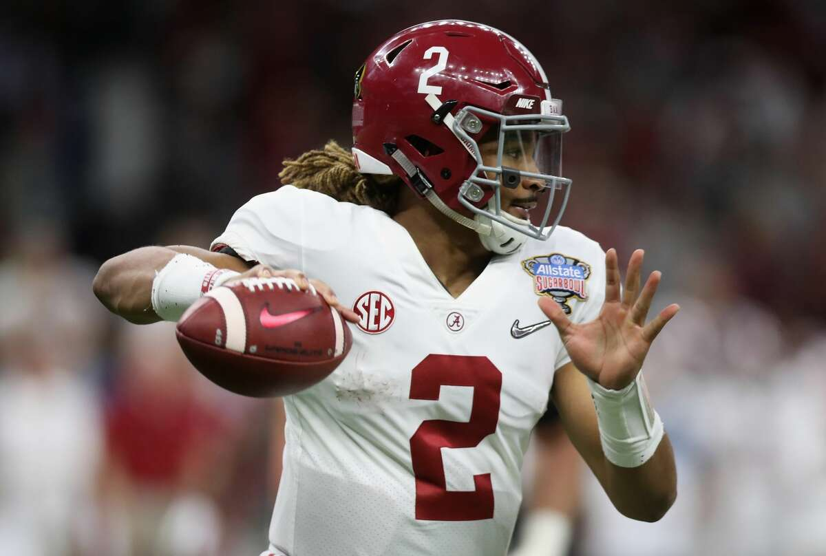 NEW ORLEANS, LA - JANUARY 01: Jalen Hurts #2 of the Alabama Crimson Tide throws the ball in the seond half of the AllState Sugar Bowl against the Clemson Tigers at the Mercedes-Benz Superdome on January 1, 2018 in New Orleans, Louisiana. (Photo by Chris Graythen/Getty Images)