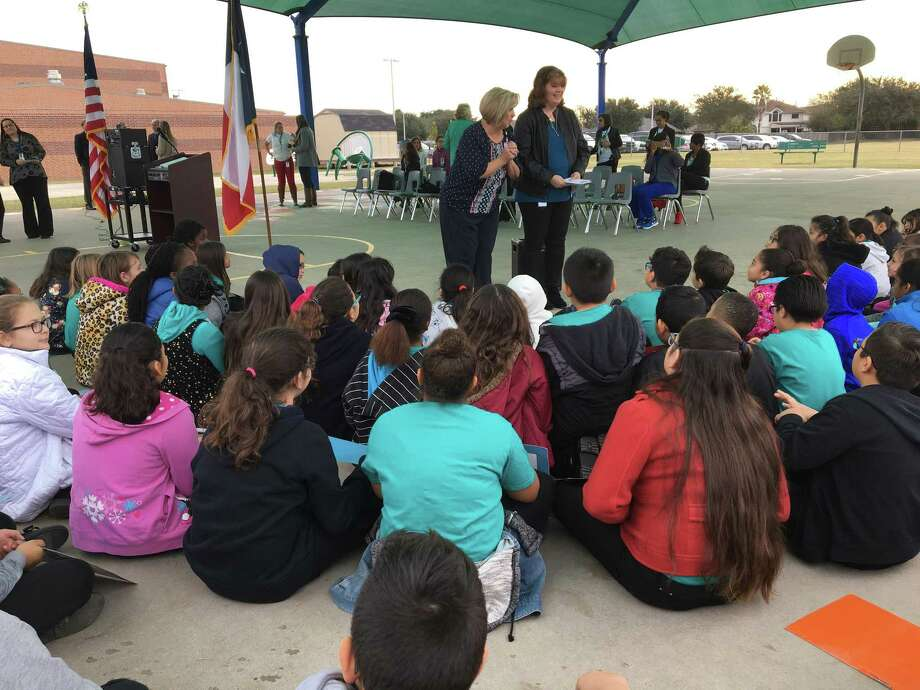 Parents, students and educators dedicated a SPARK Park last month at Franz Elementary School in Katy Independent School District. Photo: Katy Independent School Distric