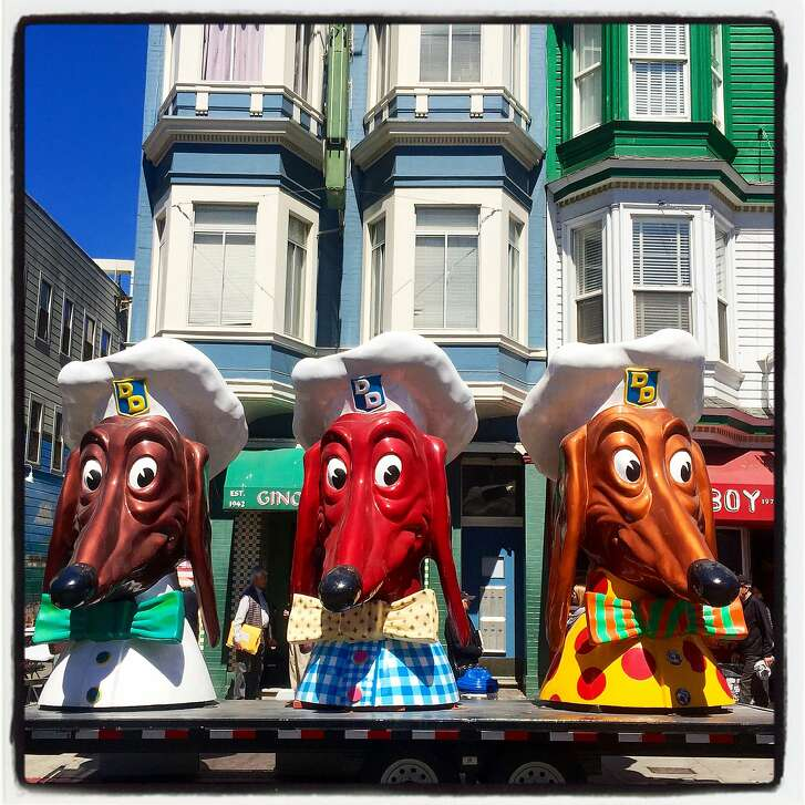 The Doggie Diner heads paid an EssEff tribute at Gino & Carlo during the wake for the late journalist Warren Hinckle. August 2016.
